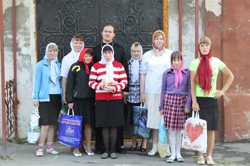 Черкизовский психоневрологический интернат в Покровском храме 14 августа 2013 года